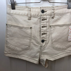 NWT  We The Free By Free People Ecru Shorts. Sz 27